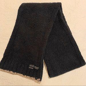 Barefoot dreams cozy chic scarf